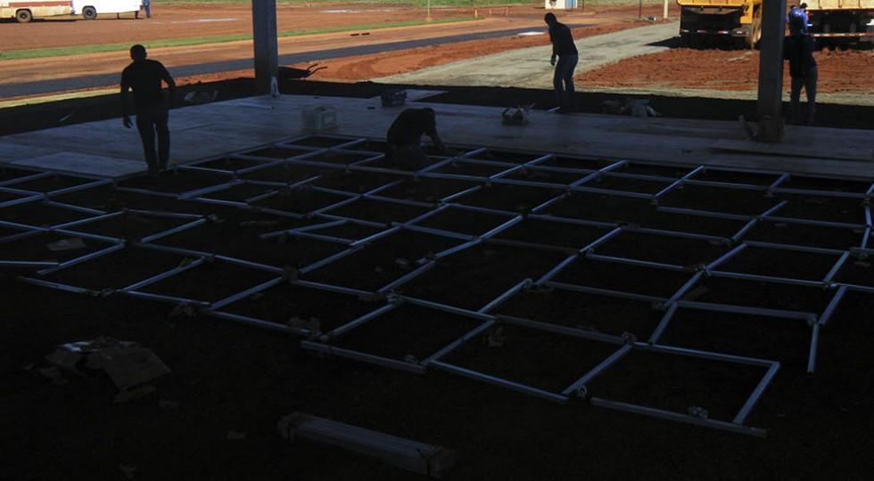 Montagem estrutural de piso – início